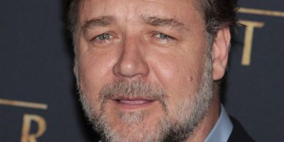 Crowe es también cantante y compositor. Participó en el musical Grease, en 1983 Foto: Getty Images