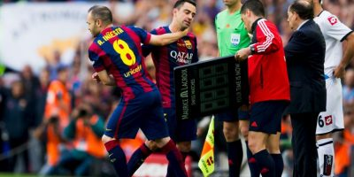 Este fue el último partido de Xavi con el Barcelona, y salió de cambio al 84′ para recibir una ovación de su público que también le organizó un mosaico. Foto:Getty Images