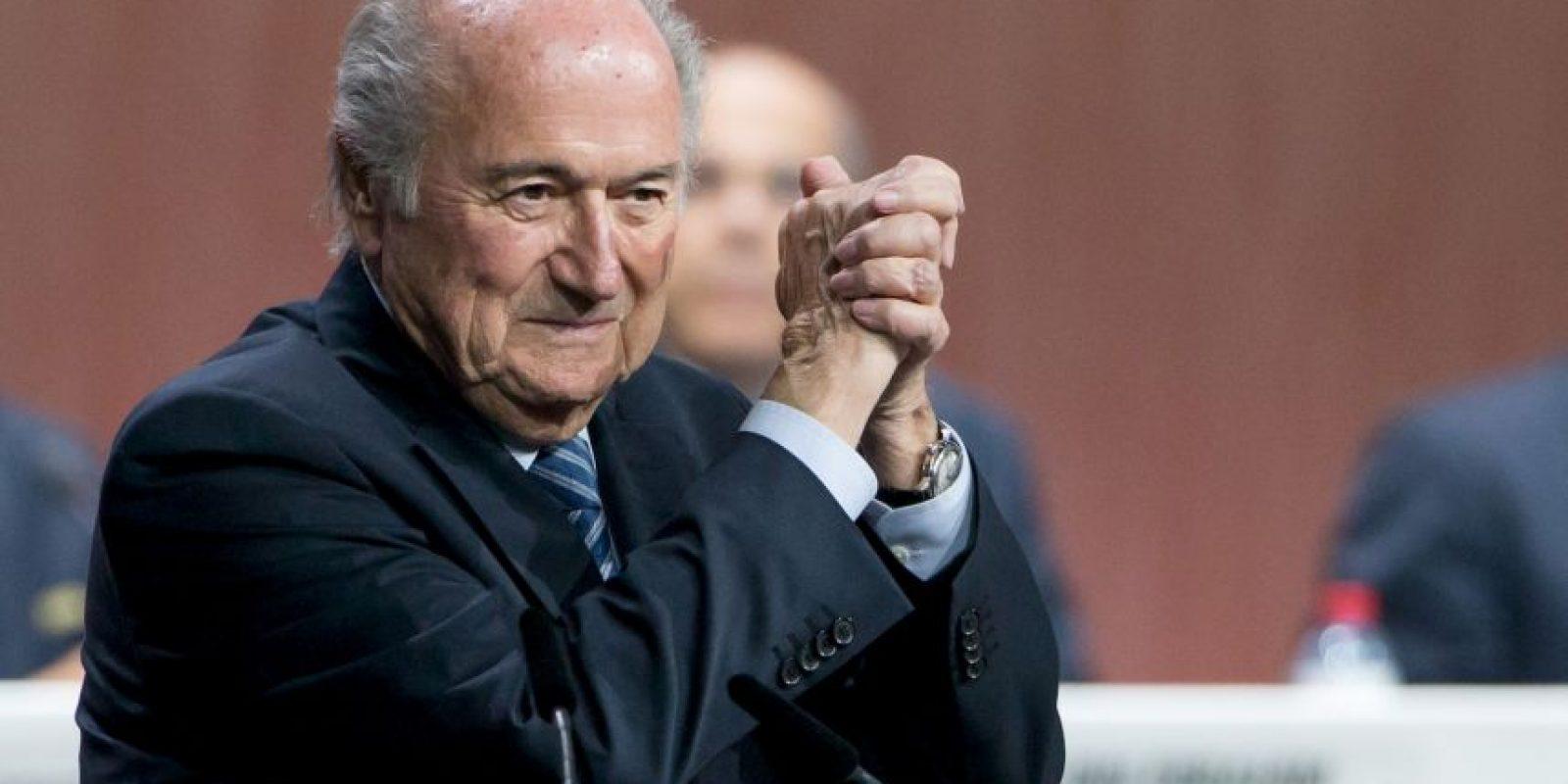 """En medio del escándalo de corrupción que envuelve a la FIFA, Joseph Blatter recibió una acusación más, luego de que un exempleado del organismo revelara que el dirigente suizo usara el proyecto """"Goal"""" para comprar votos. Foto:Getty Images"""