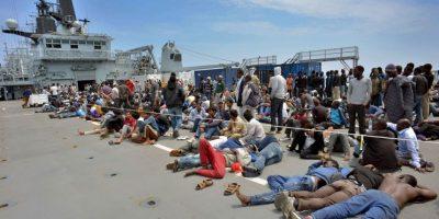 Gobiernos dentro y fuera de Europa consideran medidas para controlar el flujo de migrantes. Foto:Getty Images