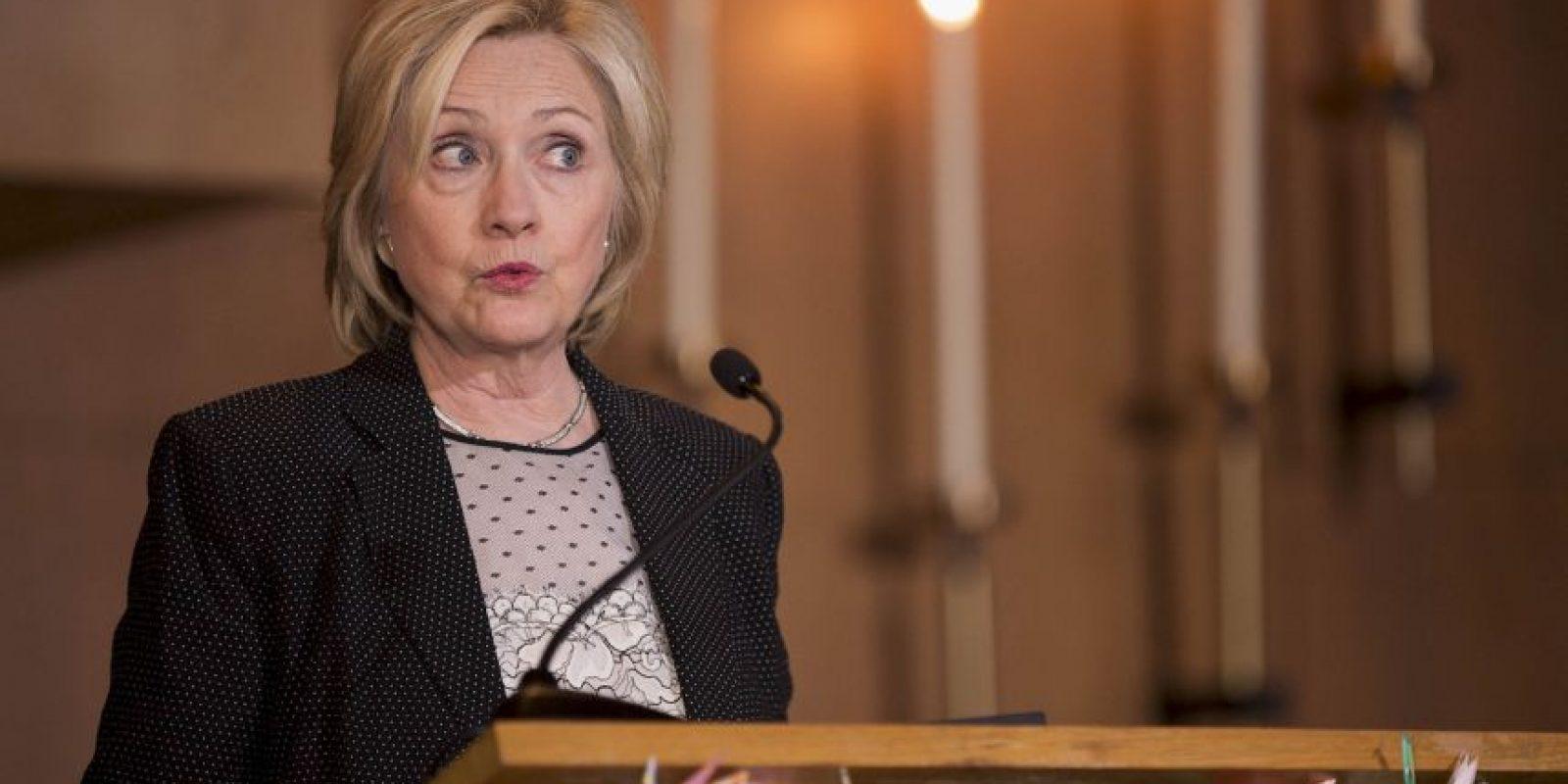 La precandidata del Partido Demócrata, en repetidas ocasiones ha asegurado que no envió ni recibió información clasificada. Foto:Getty Images