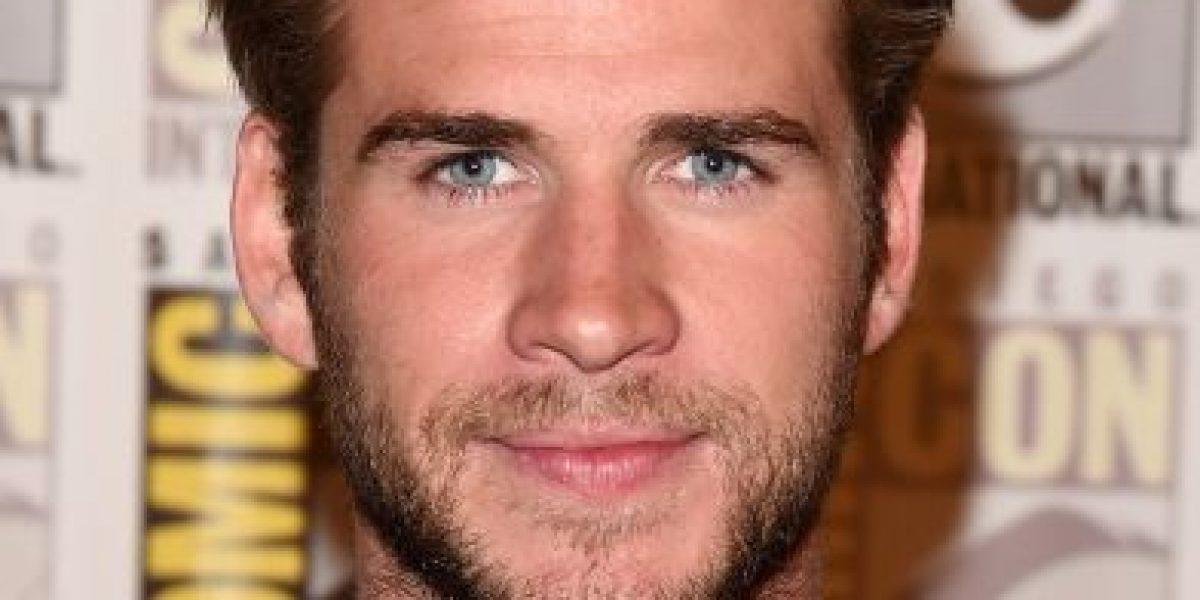 Liam Hemsworth se molesta con reportero tras
