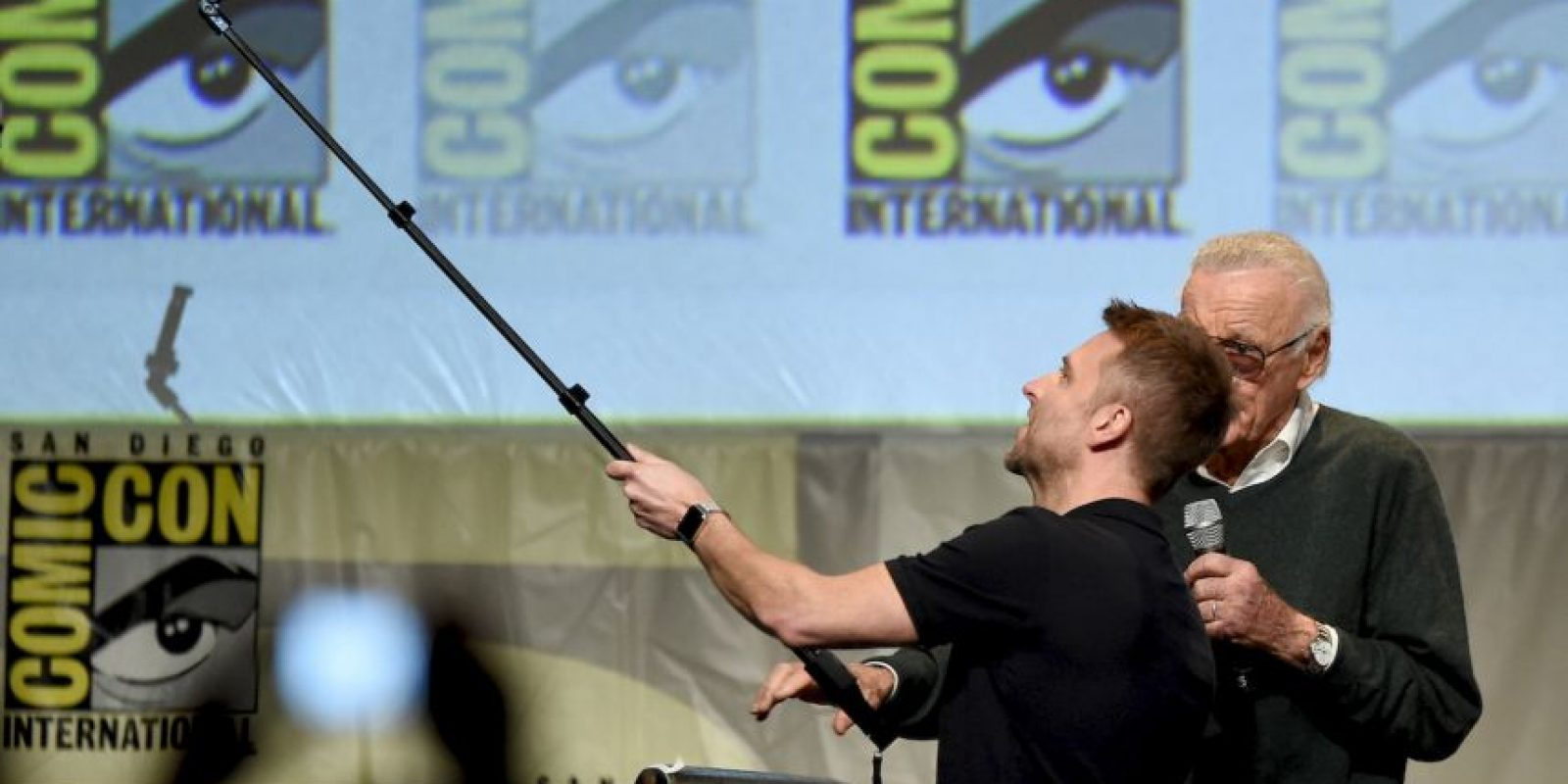La edición de la Comic Con 2015 será recordada por la incónica fotografía en la que aparece Stan Lee junto a más de una decena de superhéroes. Foto:Getty Images