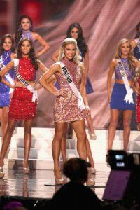 Las latinas a pesar de haberse mantenido en la recta final no fueron ganadoras Foto:Getty Images