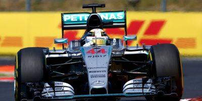 """Sus otros compañeros lo recordaron llevando las siglas """"JB17"""" en su monoplaza como Lewis Hamilton de Mercedes. Foto:Getty Images"""