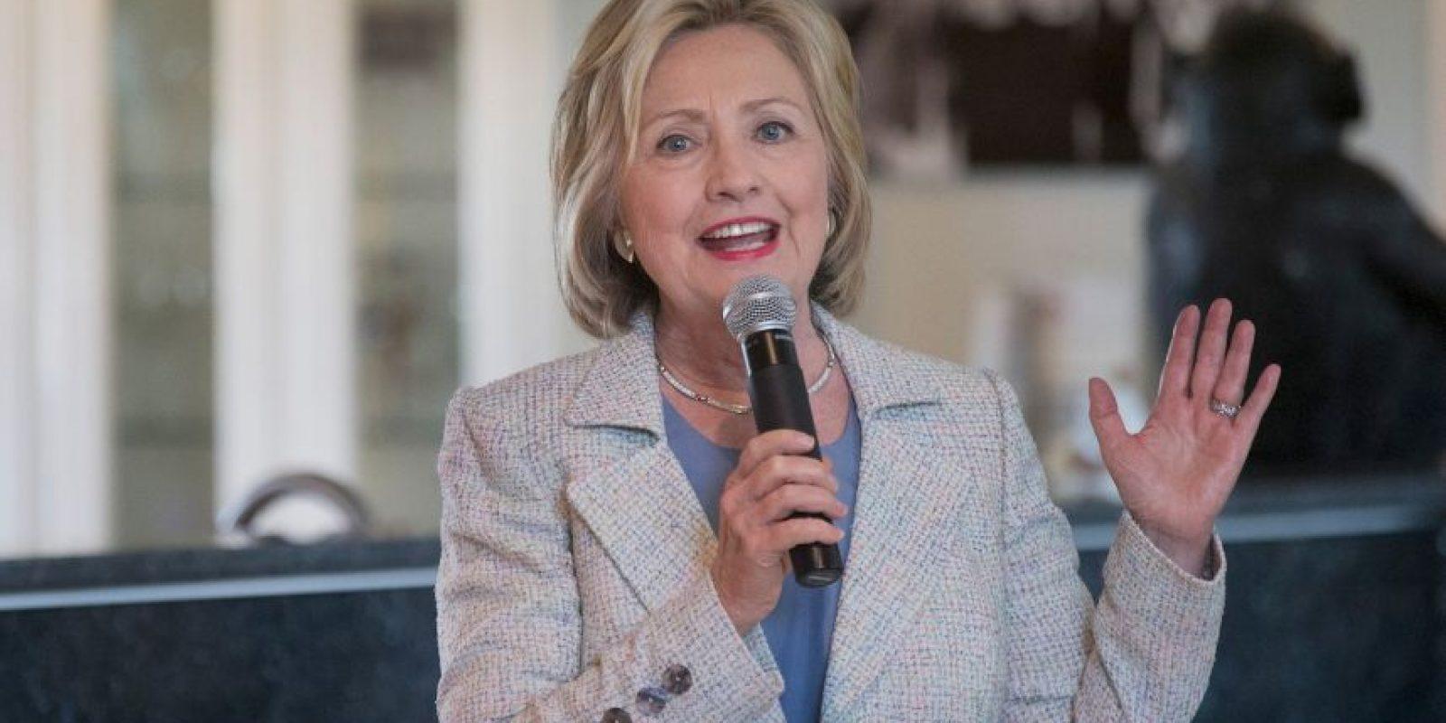 Se ha visto involucrada en múltiples controversias, como la del uso de su correo personal para asuntos oficiales cuando era secretaria de estado. Foto:Getty Images