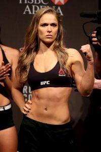 Ronda Rousey, campeona invicta de Peso Gallo de Mujeres de la UFC, tiene un impresionante récord de 12-0 que ha ido alimentando en estas peleas: Foto:Getty Images