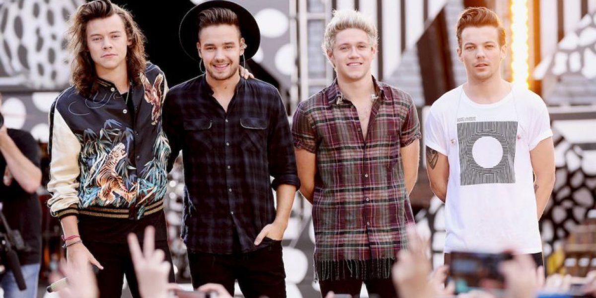 Harry Styles de One Direction sufrió otra bochornosa caída sobre el escenario