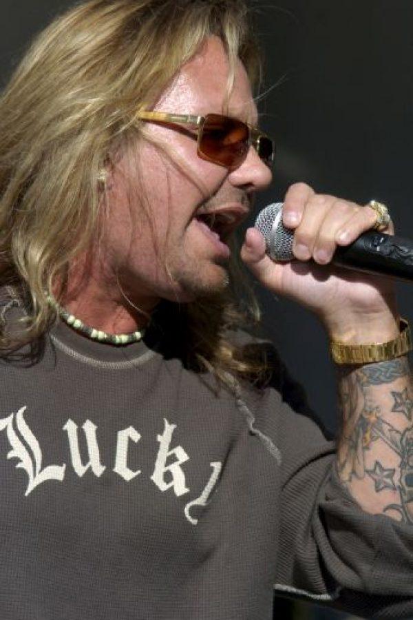 """10. El vocalista de """"Motley Crue"""", Vince Neil también adquirió esa apariencia. Foto:Getty Images"""