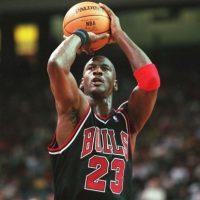 Ganó 6 anillos de la NBA, fue 5 veces MVP de la temporada y es considerado el mejor basquetbolista de la historia. Foto:Getty Images