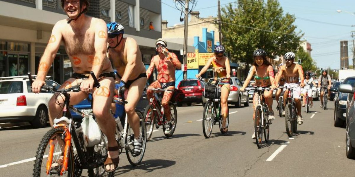 World Naked Bike Ride: Ciclistas se preparan para pasear desnudos