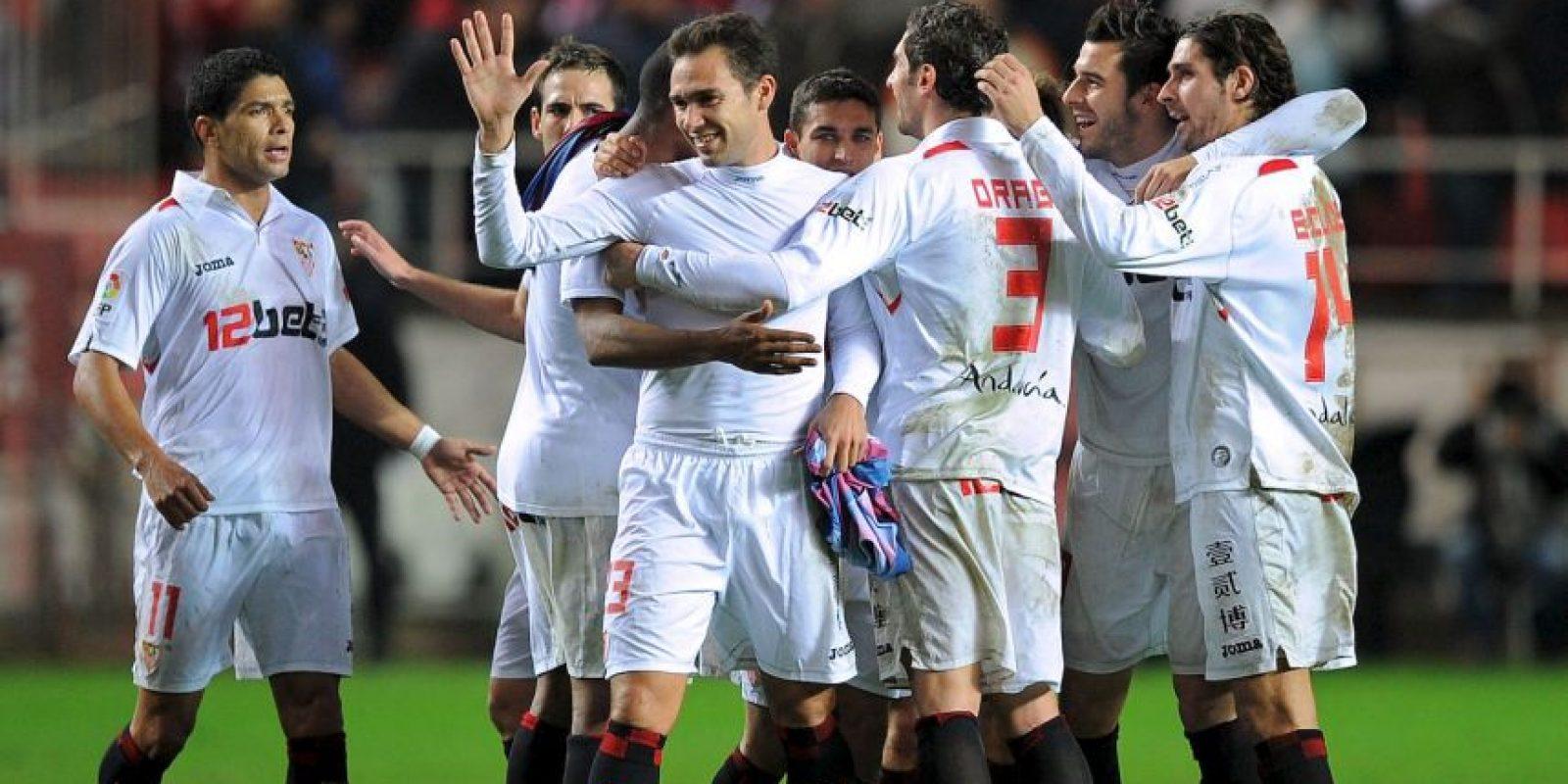 9. La última victoria del Sevilla ante el Barcelona fue en el duelo de ida de octavos de final de la Copa del Rey de 2010 con un marcador de 2-1 en el Camp Nou. Los andaluces terminarían campeones de este torneo. Foto:Getty Images