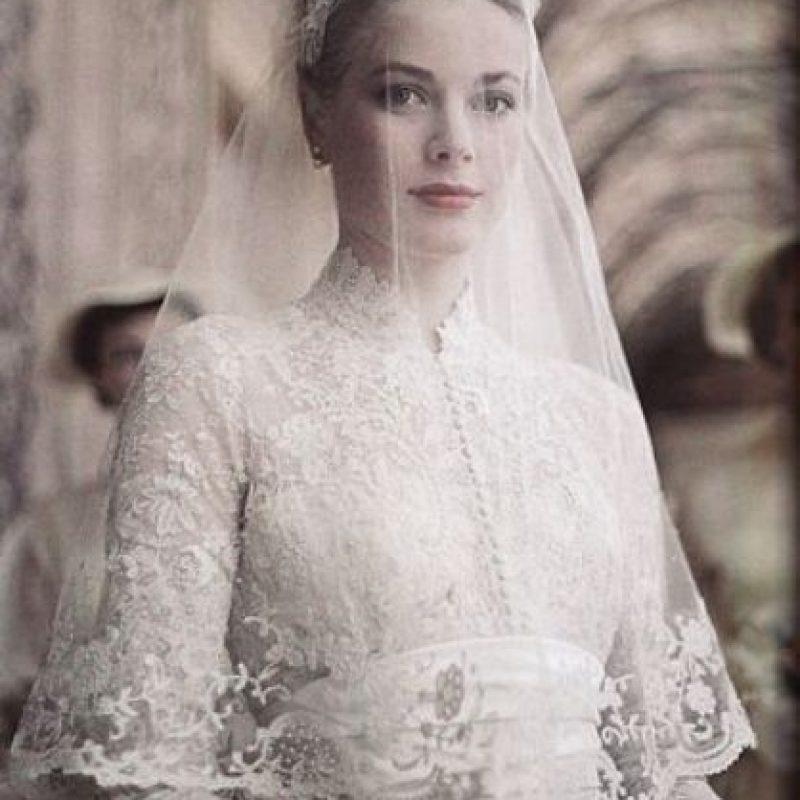 Era un vestido parecido a los de los 50, parecido al de Grace Kelly. Con el encaje de ensueño. Foto:vía Getty Images