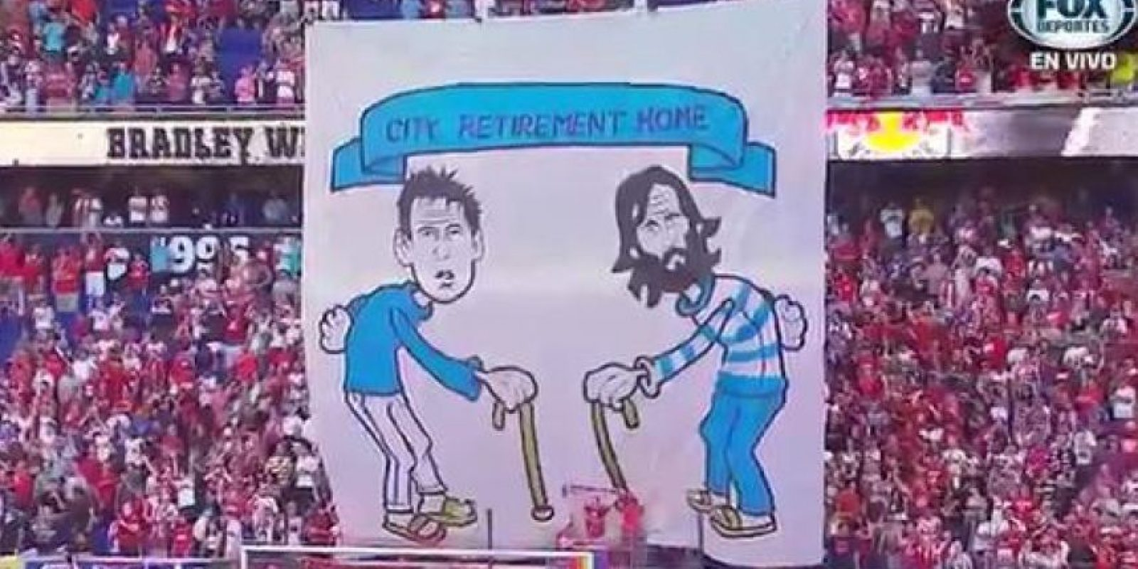 Los hinchas del New York Red Bulls mostraron esta pancarta Foto:MLS