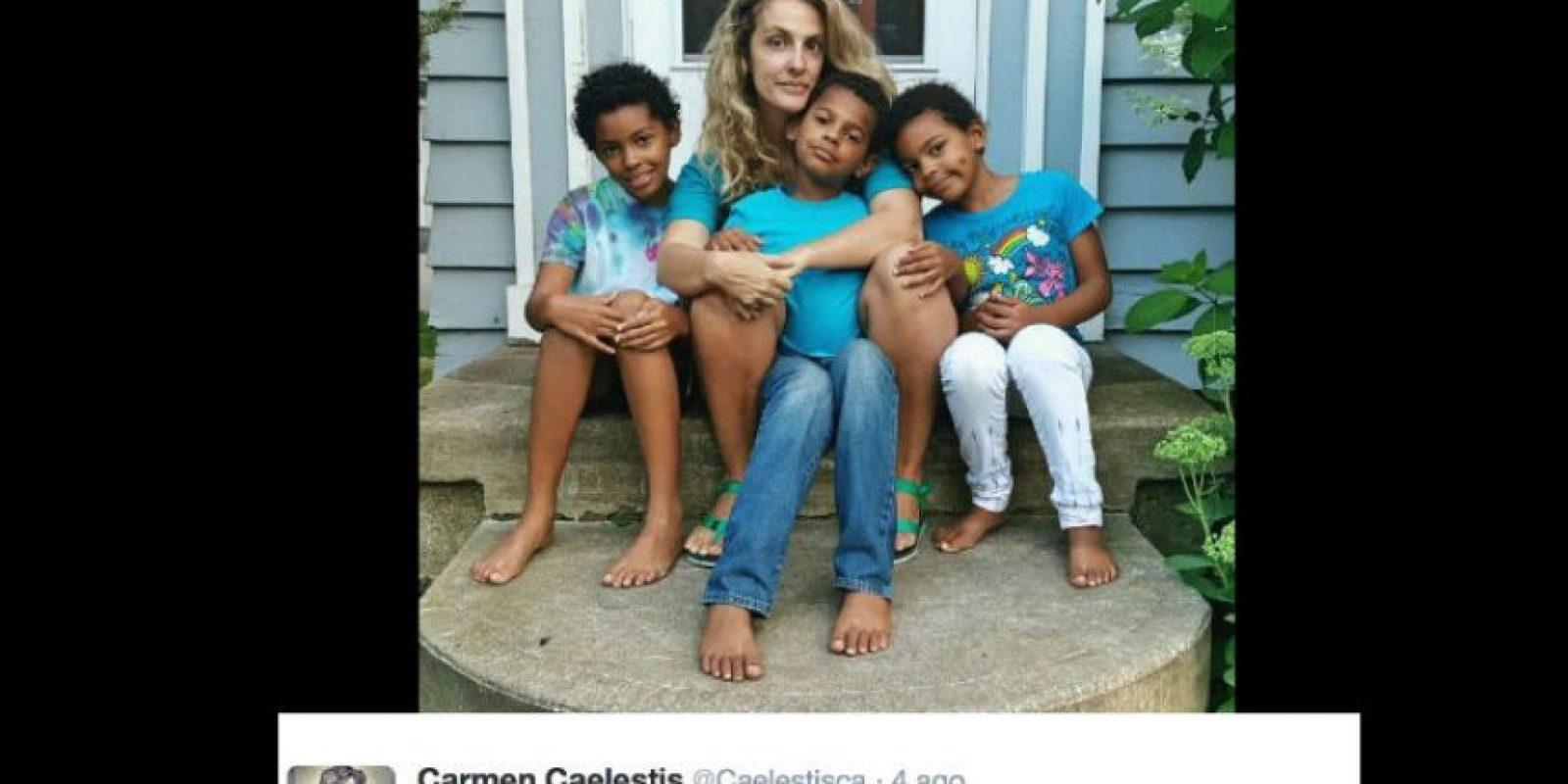 Otros cuidan niños. Foto:vía Twitter
