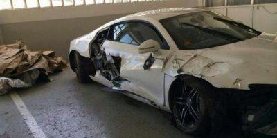 Cuando militaba en la Real Sociedad, perdió el control de su automóvil en una curva y chocó contra una roca. Así quedó el auto. Foto:Vía twitter.com/niporwifi
