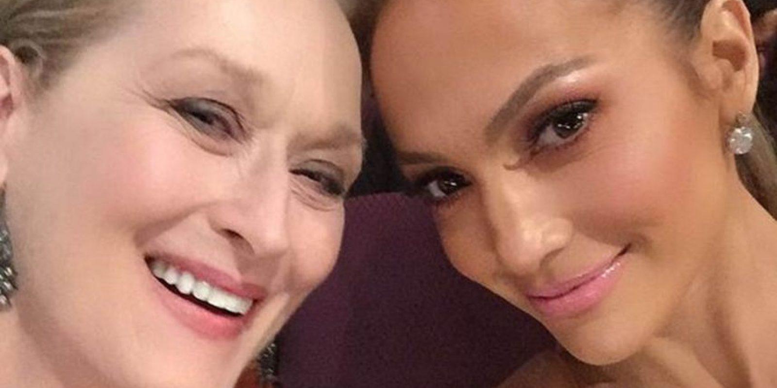 Meryl Streep y Jennifer Lopez: posaron juntas para los Oscars y las dos congeniaron ante el discurso pro igualdad de Patricia Arquette. Foto:vía Instagram