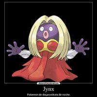 """El Pokemon """"Jynx"""" sufrió un cambio en el color de su rostro (de negro a morado) para evitar las criticas racistas. Foto:desmotivaciones.es"""