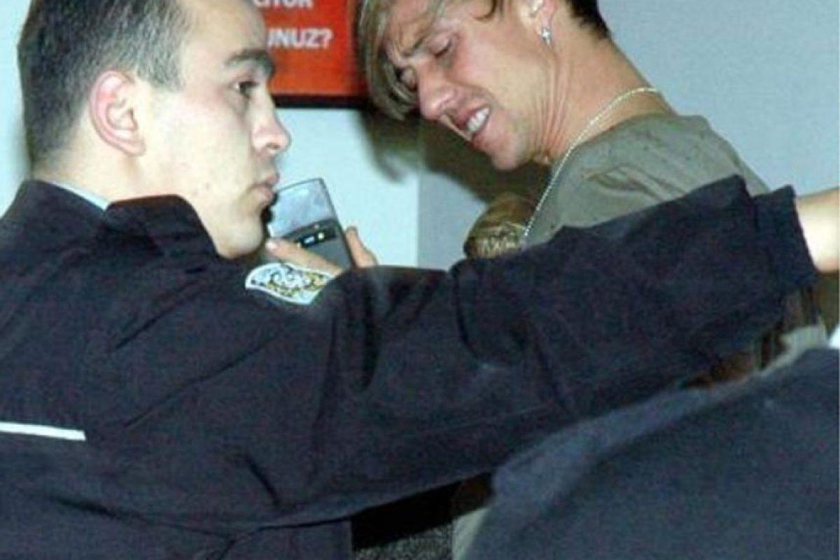 """Durante su etapa en el fútbol de Turquía, José María Hernández, """"Guti"""", estrelló su coche contra un autobús en Estambul, por manejar alcoholizado. Foto:miliyet.com"""