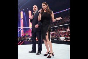 """Al final de la función. """"La Autoridad"""" seleccionó a un nuevo retador al título de la WWE Foto:WWE"""