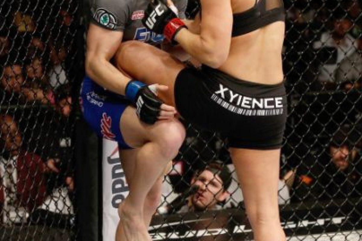 9-0 vs. Sara McMann en UFC 170. Foto:Getty Images