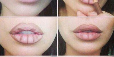 No pueden seguir tu forma natural, los labios deben verse más grandes de lo que son. Foto:vía Makeup.com
