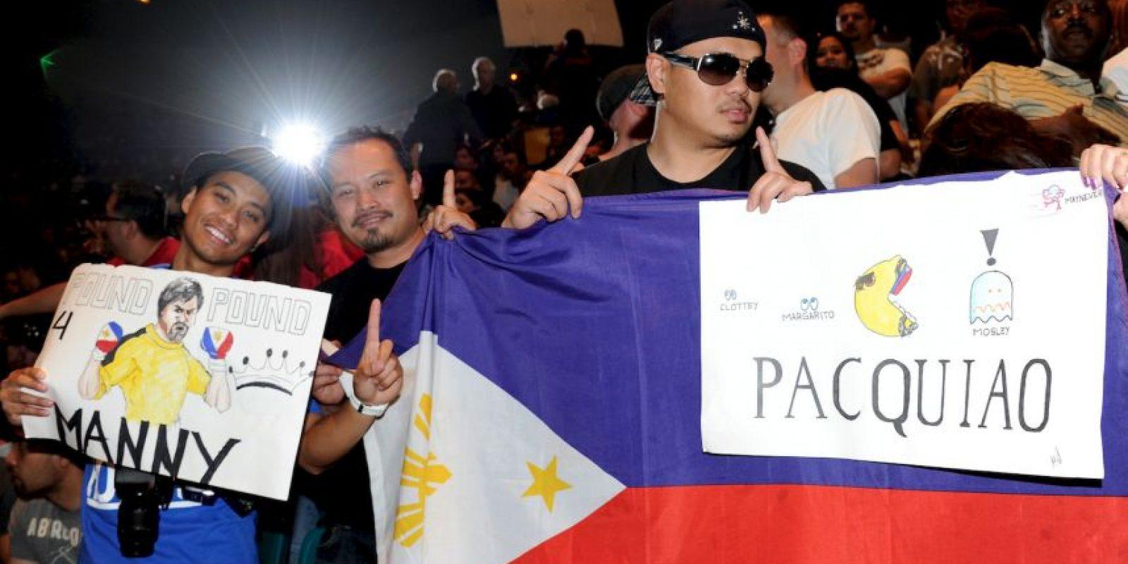 """El amor es correspondido, por ello, en su salida al ring del MGM Grand Garden Arena de Las Vegas, el boxeador usará la canción """"Lalaban Ako Para sa Pilipino"""" que significa """"Yo peleo por los filipinos"""". Foto:Getty Images"""