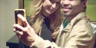 Paris Hilton muestra su apoyo a Manny Pacquiao