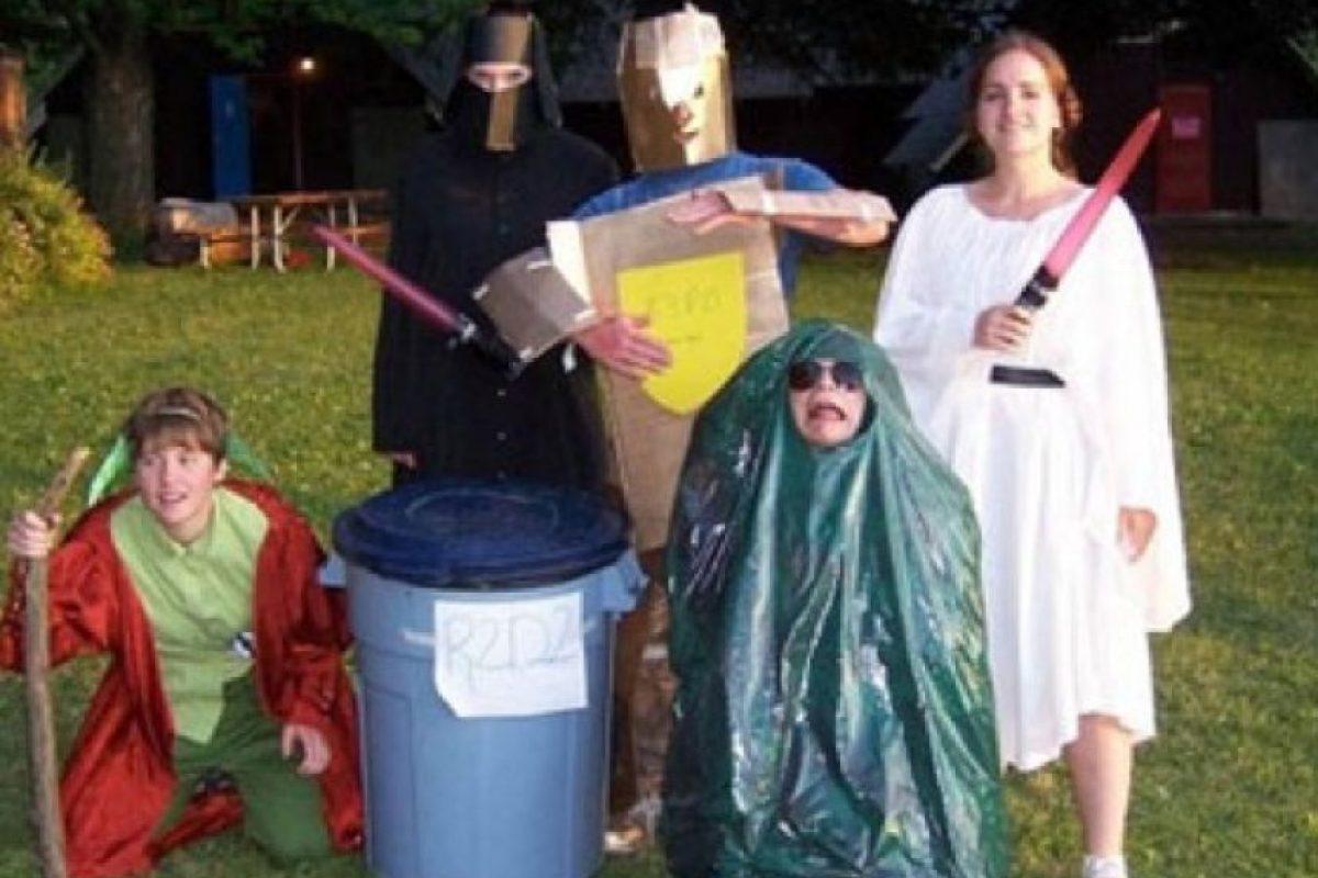Falta de presupuesto o creatividad lograron los siguientes cosplays Foto:Imgur