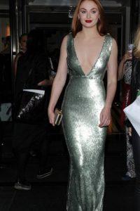 Sophie Turner, que no eres Jessica Rabbit, por Dios. Foto:vía Getty Images