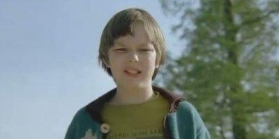 """Se llamaba """"Marcus Brewer"""" y era el niño protagonista de """"Un Gran Chico"""". Foto:vía StudioCanal"""