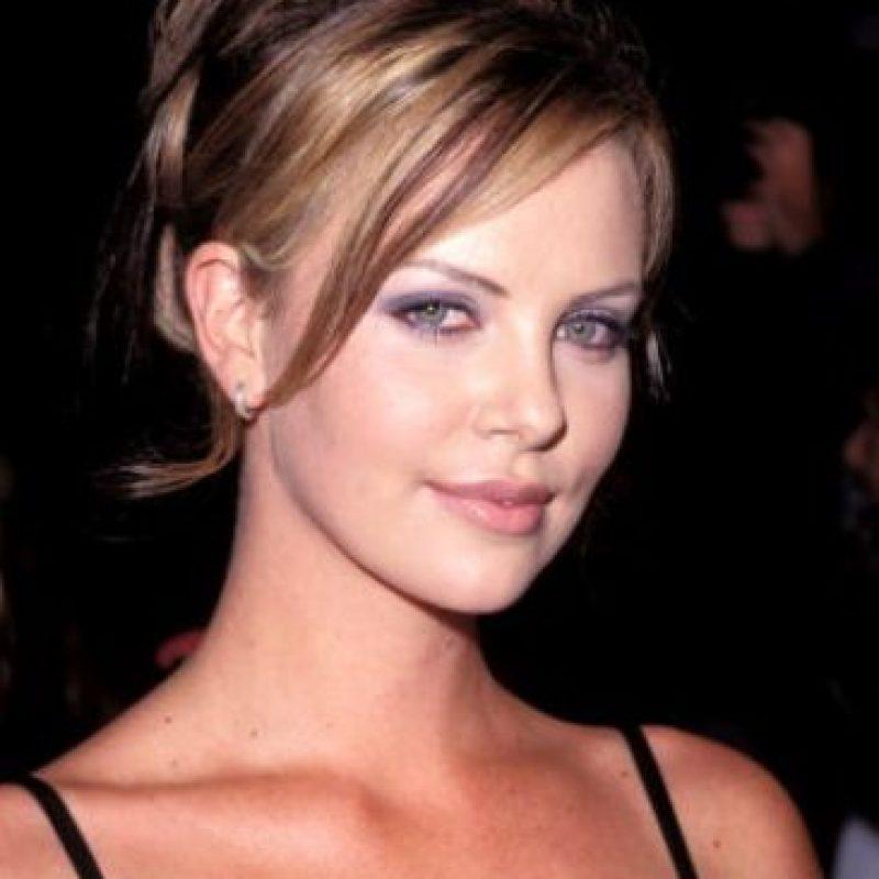 La sudafricana comenzó a actuar y a modelar en los años 90. Foto:vía Getty Images
