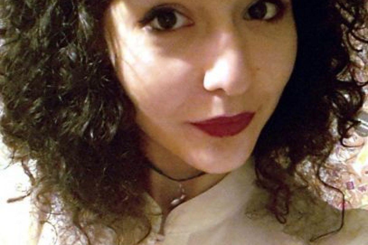 Yasmin tiene 19 años. Es inglesa. Se niega a depilarse. Foto:vía Facebook/Yasmin Gasimova