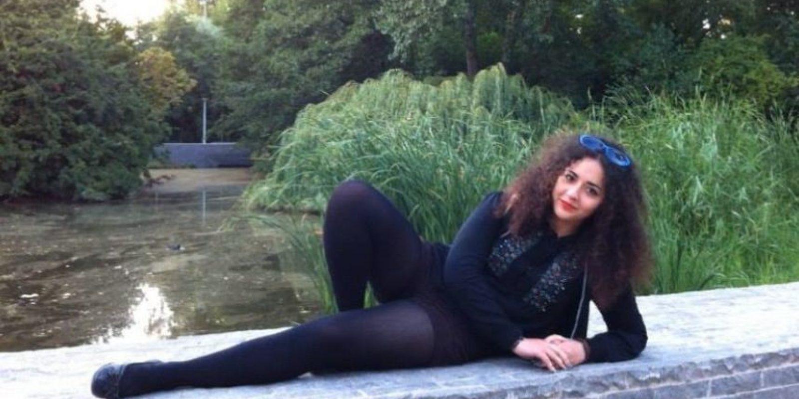 """Nadie debe avergonzarse de su cuerpo al natural (…) Sueño con el día en que pueda caminar en verano en pantalones cortos, sin tener conciencia de que los demás me juzguen"""", dijo Yasmin Gasimova. Foto:vía Facebook/Yasmin Gasimova"""