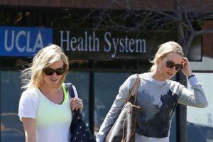 """Reese Whiterspoon y Naomi Watts: la comediante le dijo a su amiga australiana que tomara el rol en la película """"Lo Imposible"""". Lo hizo a través de una carta. Foto:vía Getty Images"""