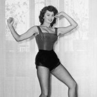 Feminista o no, exhibir el vello corporal se ha mostrado como un acto de rebeldía, luego de que se impusiera, por higiene y estética, la depilación de axilas y piernas en el caso de las mujeres. Foto:vía Getty Images