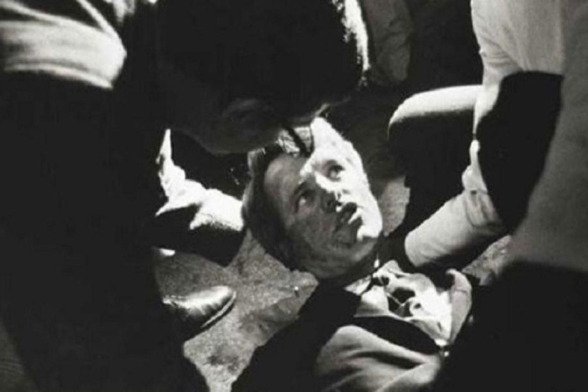 Robert F. Kennedy, candidato a la presidencia de Estados Unidos en 1968, cuando le dispararon en la cocina de un hotel de Los Ángeles. Foto:vía Getty Images