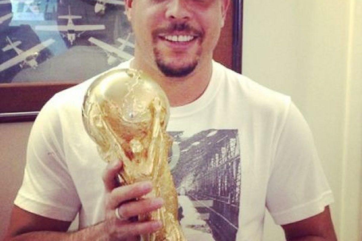 También fue el máximo goleador de los Mundiales hasta que el alemán Miroslav Klose lo desbancó en 2014. Foto:Vía instagram.com/ronaldolima