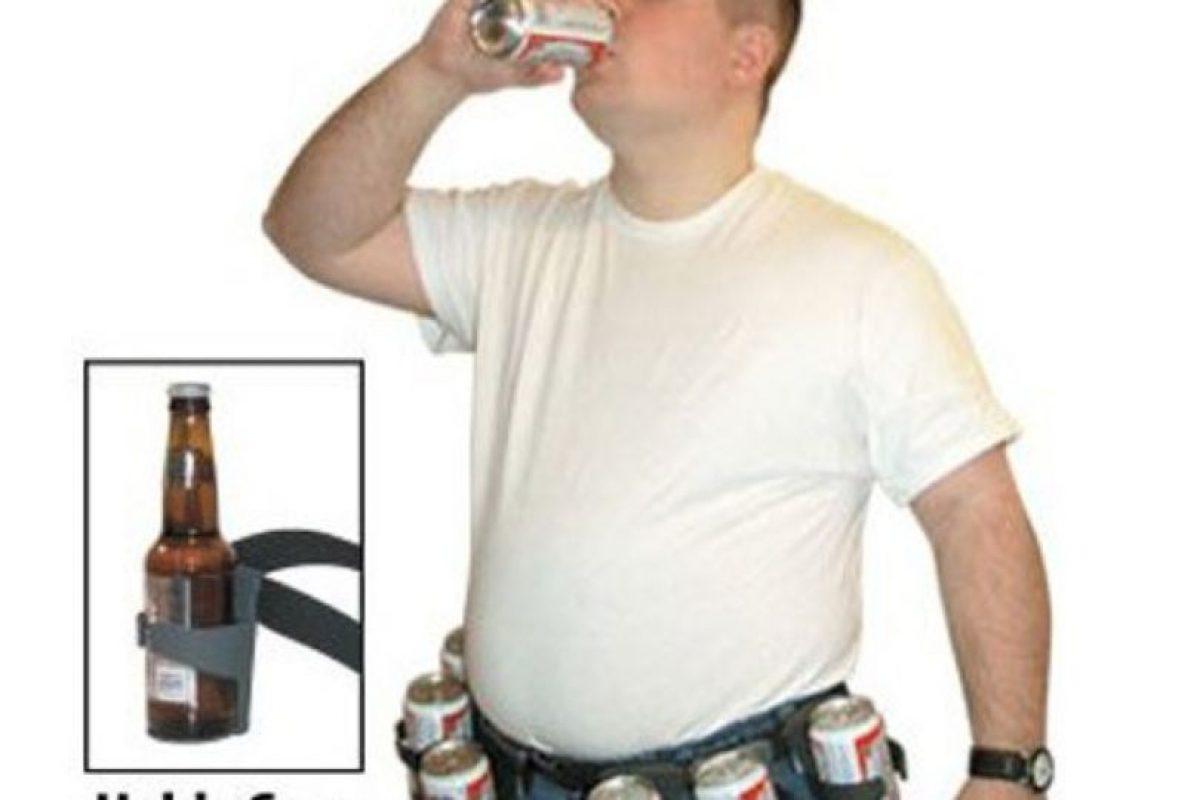 Porta cervezas. Foto:Know Your Meme