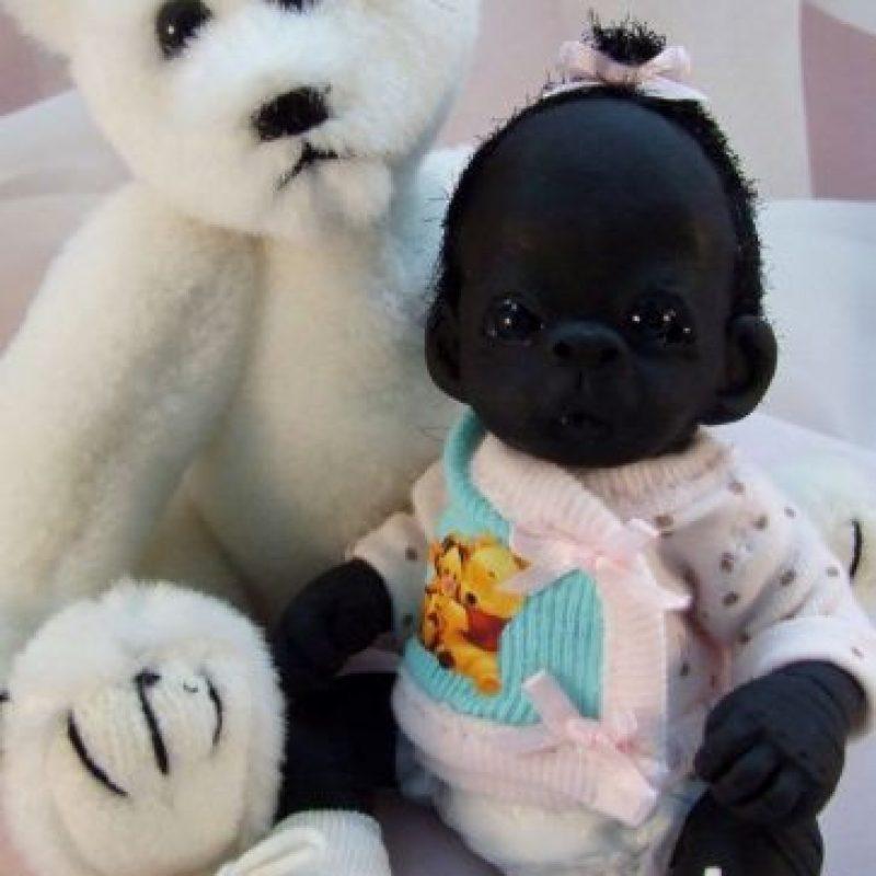 """El """"bebé"""" ni siquiera es un humano. Foto:vía eBay"""