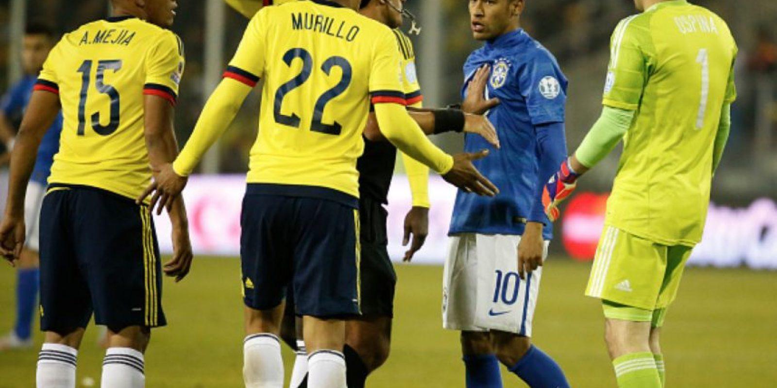 Este salió expulsado junto a Carlos Bacca por una pelea originada al final del partido. Foto:vía Getty Images
