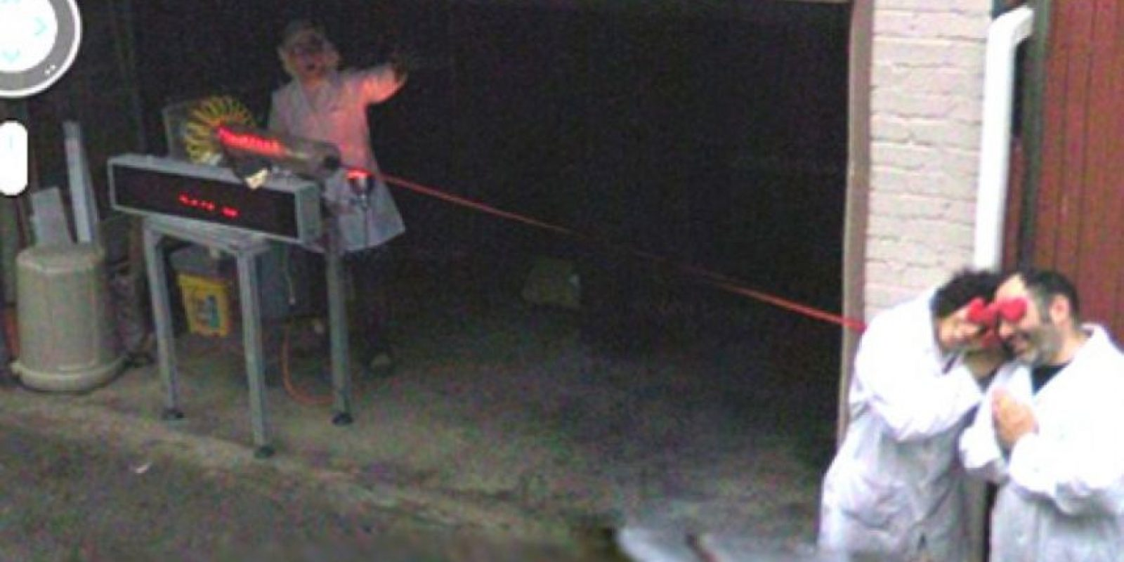 El profesor loco y el láser de amor Foto:Google Street View