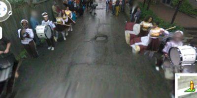 Por en medio de una marcha Foto:Google Street View