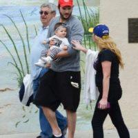 La pequeña bebé que el actor tuvo con Mila Kunis se llama Wyatt Isabelle. Foto:Grosby Group