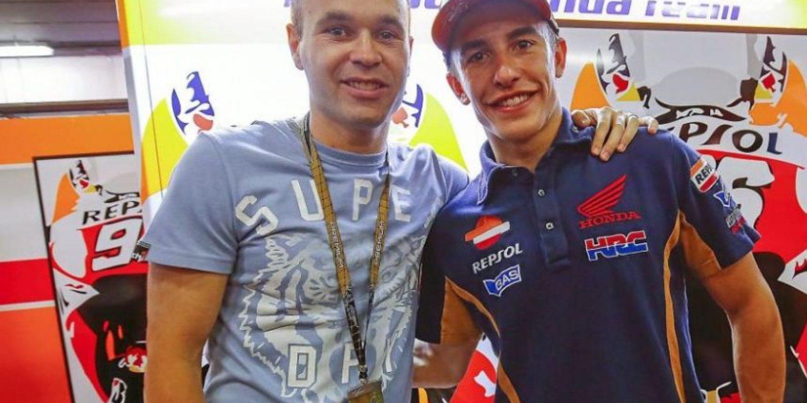 Andrés Iniesta y el piloto Marc Márquez Foto:Via instagram.com/marcmarquez93