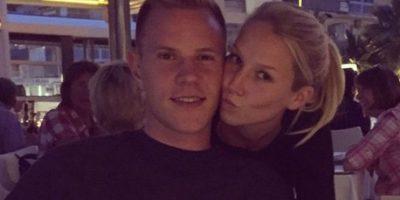 Ter Stegen con su novia Daniele Jehler, en Alemania Foto:Twitter
