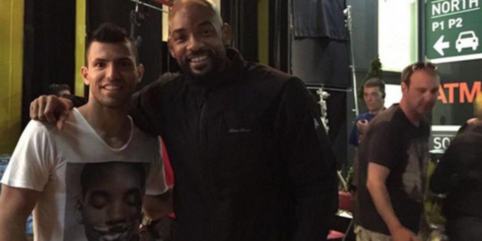 """El """"Kun"""" Agüero se tomó una foto con el actor Will Smith Foto:Via twitter.com/aguerosergiokun"""