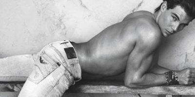 Rafael Nadal dejó a más de uno boquiabierto al modelar así. Foto:vía Armani