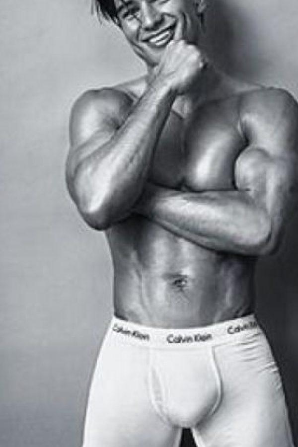 Sí, él es Mario Lopez. Y no tiene nada que desmerecerle a Bieber. Foto:vía Calvin Klein