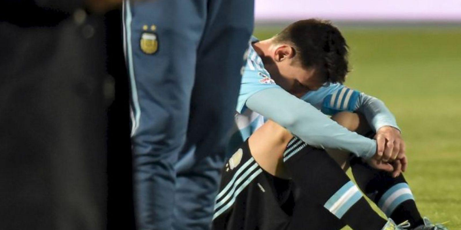 Los padres de Messi, Jorge y Celia, así como sus hermanos, Rodrigo y Matías, fueron quienes estuvieron en el Nacional. Foto:vía AFP